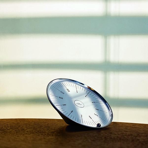 Настолен часовник Орбит