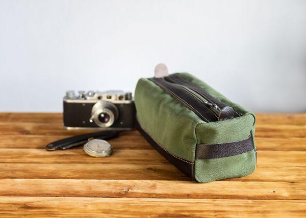 Голяма мъжка кожена чанта DiGeordie, Военно зелен (Рециклиран)