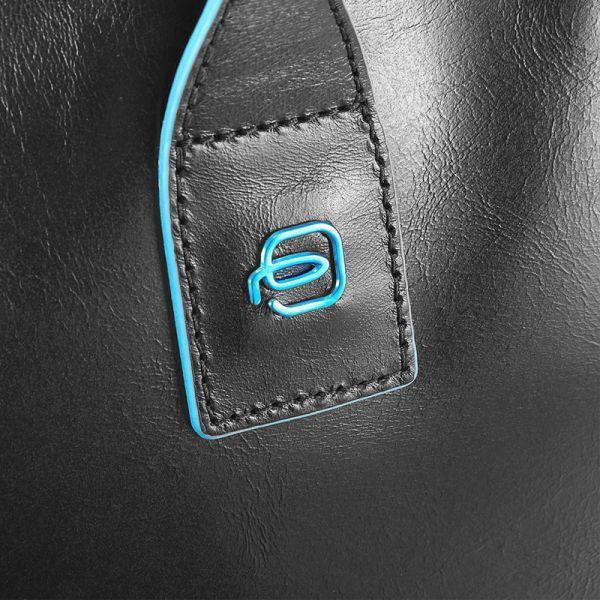 Хоризонтална дамска чанта Piquadro с отделение за iPad mini