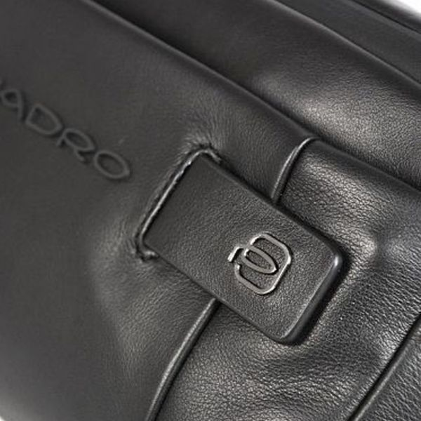 Хоризонтална чанта за през кръста Piquadro, Urban