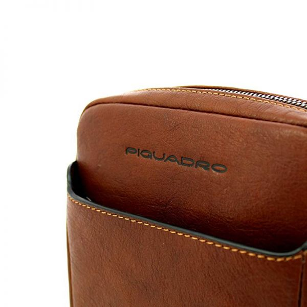 """Вертикална чантичка Piquadro с отделениез за iPad®10,5""""/iPad 9,7"""""""