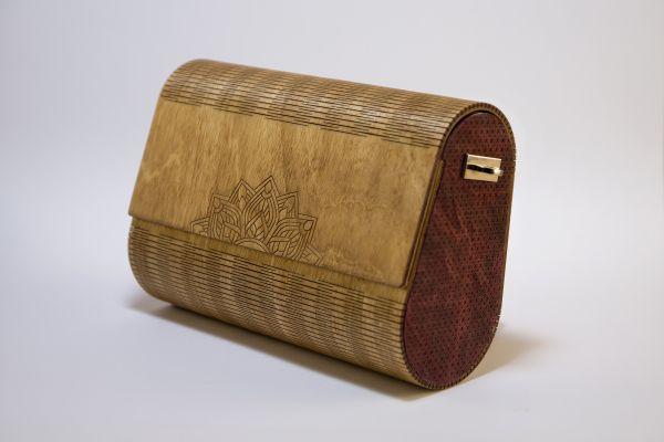 """Ръчно изработена дамска чанта от дърво и естествена кожа Алба """"Мандала"""""""