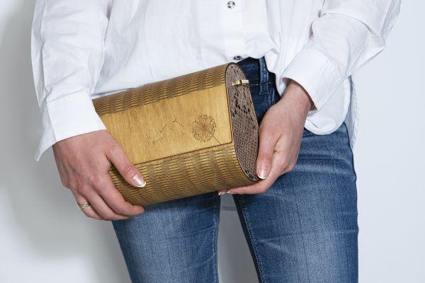 """Ръчно изработена дамска чанта от дърво и естествена кожа Алба """"Змия"""""""