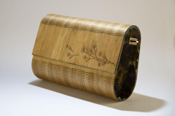 """Ръчно изработена дамска чанта от дърво и естествена кожа Алба """"Тюркоаз"""""""